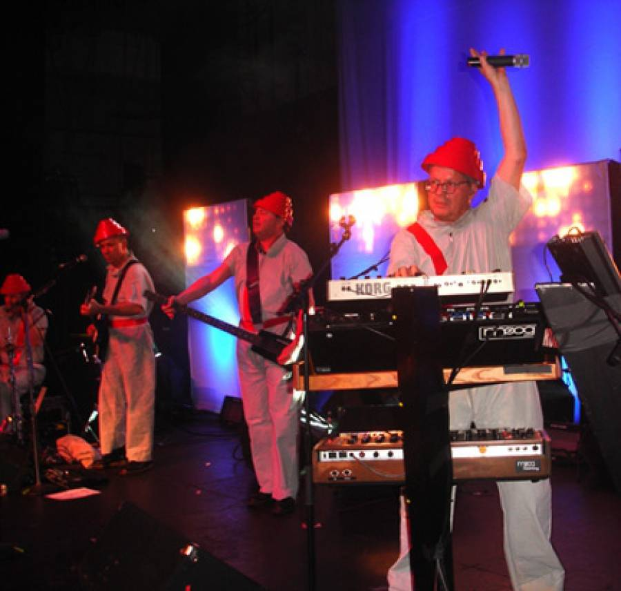 """11/4/09: DEVO """"Freedom Of Choice"""" Show"""