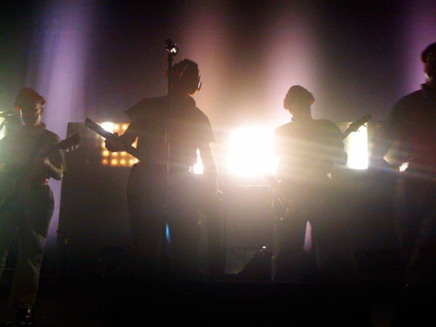 11/4/09: Backlit DEVO