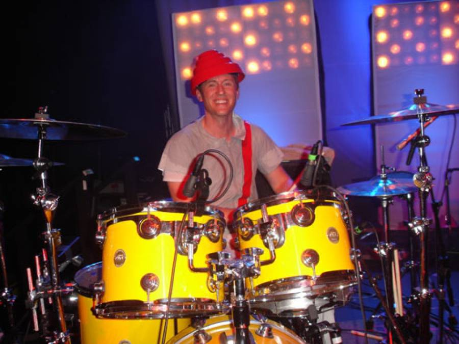11/4/09: Josh Freese with DEVO